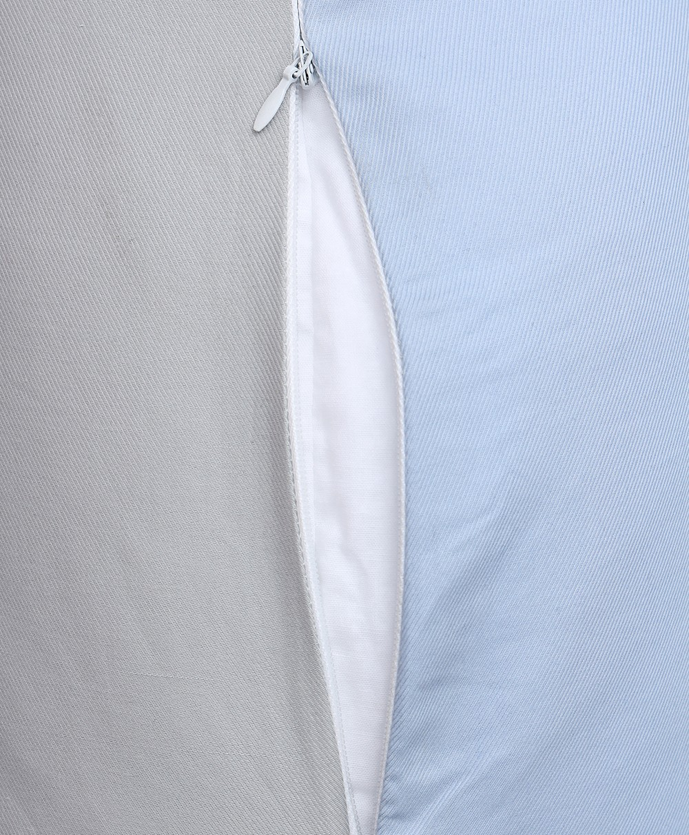 Day & Night Woven Pregnancy Pillow (SKY)